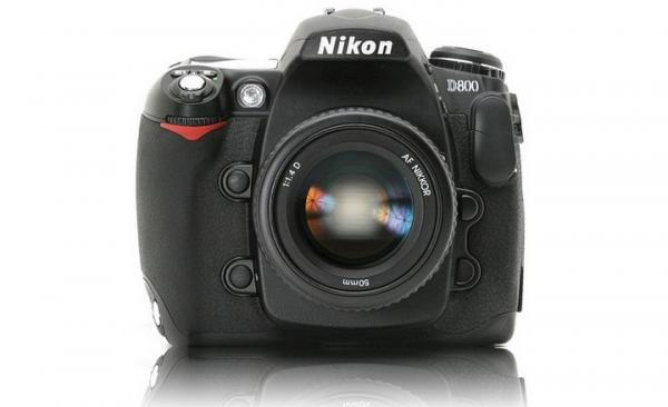 Фотоаппарат Nikon D800 должен сменить Nikon D700 в марте 2012: http://blogs.bashtanka.info/viewdn.php?id_d=36&id=2