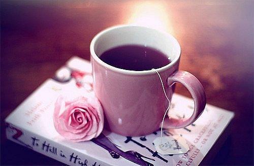 Картинки девушка с чашкой кофе