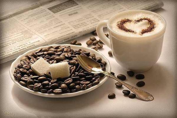 Фото чашка кофе на подоконнике фото